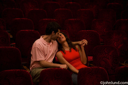 Couple-Romance-Theater-Alone-10006400015[1]